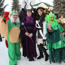 30 декабря объявлен в республике Днем дворового карнавала, и на площади перед РДК в Иглино состоялся конкурс на самый оригинальный новогодний костюм.