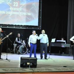 """20 февраля в Районном Доме культуры для всех Защитников Отечества был организован праздничный концерт живой звук """"Слава защитникам""""."""