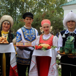 Республика Башкортостан – многонациональный, полиязычный и поликультурный субъект Российской Федерации, в котором проживают более ста национальностей. 17 апреля мы отметили праздник День национального костюма народов Республики Башкортостан.